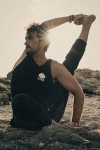 Pablo Ontiveros retiro de surf y yoga