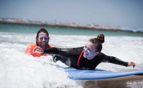 escapada con surf y yoga en españa